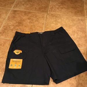NWT Savane Hiking shorts. Size 42 waist